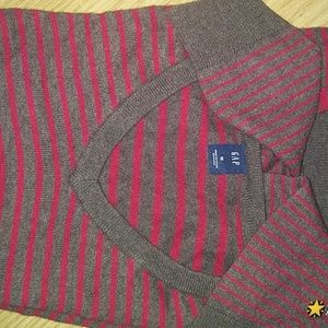 Mens Gap Sweater! Very nice perfect and NWOT!